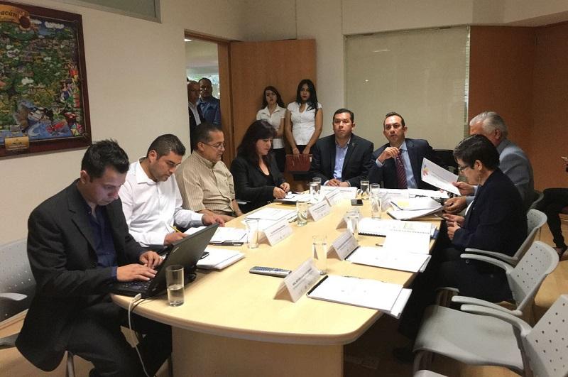 La aplicación de 9.2 millones de pesos para la adquisición de equipo de cómputo, mobiliario, herramientas de capacitación para los planteles