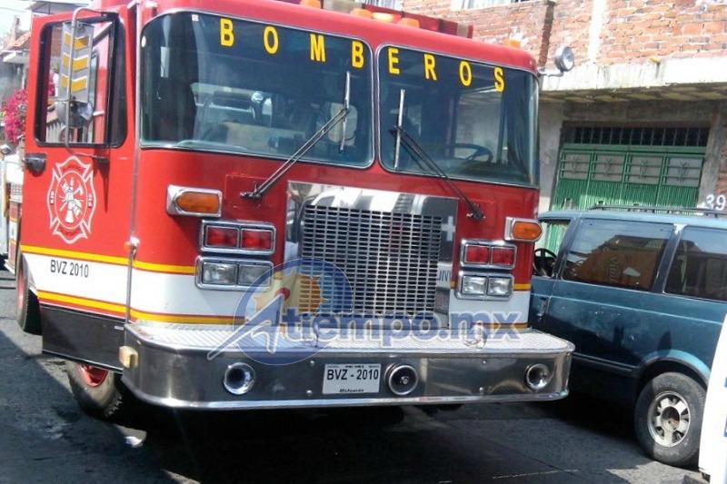 De acuerdo con la AVBEM, es la segunda ocasión que la misma persona intenta quemar su casa (FOTOS: FRANCISCO ALBERTO SOTOMAYOR)
