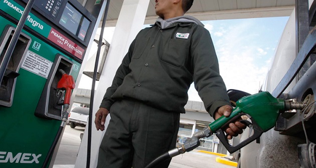 Analistas esperan que el país aumente el volumen de la gasolina importada, debido a la disminuida capacidad de refinación de la industria nacional