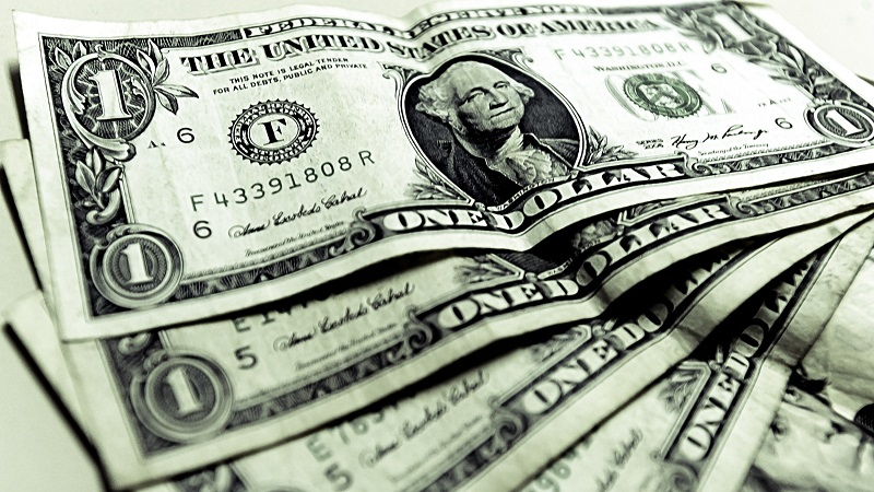 En sucursales del BBVA-Bancomer el dólar libre se vendió en 20.27 pesos por dólar y en ventanillas de Banamex se ofreció en 20.15 pesos por la divisa estadunidense