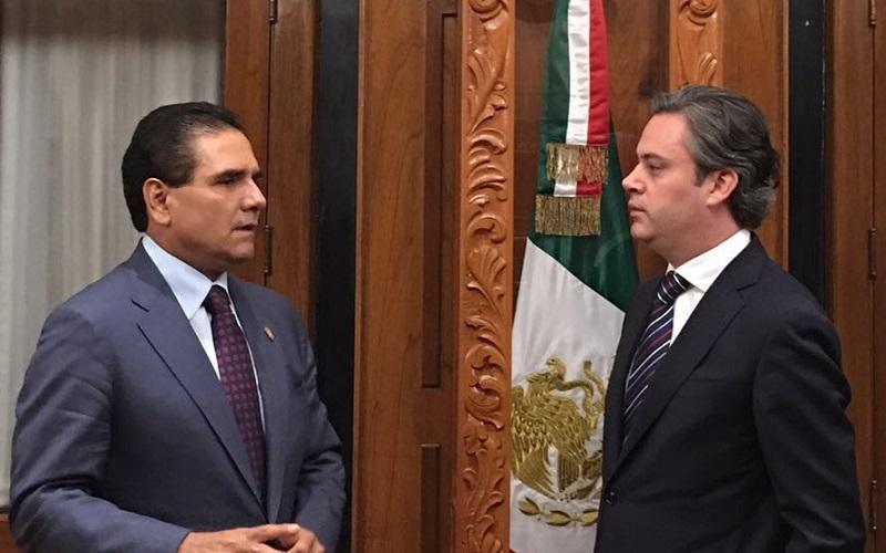 Aurelio Nuño ofreció todo su respaldo al Gobierno de Michoacán para seguir avanzando de manera conjunta en los temas que permitan superar los indicadores de rezago en rubros como la deserción escolar