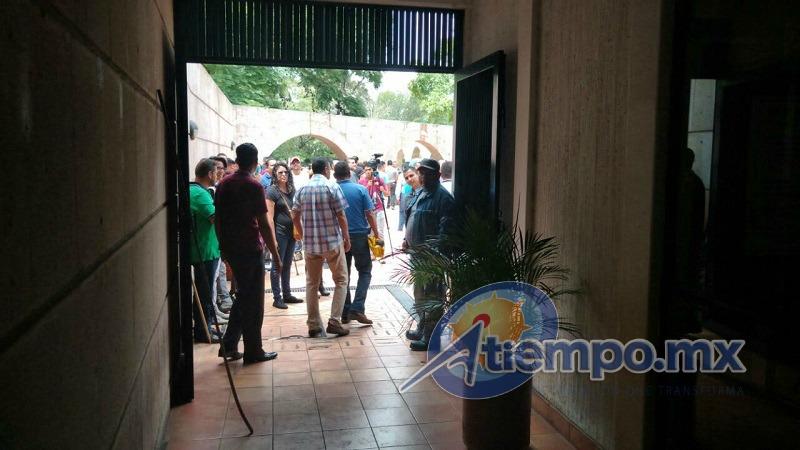 En esta ocasión, los elementos de la Secretaría de Seguridad Pública (SSP) de Michoacán se abstuvieron de intervenir, pese a lo agresivo del contingente (FOTOS: FRANCISCO ALBERTO SOTOMAYOR)