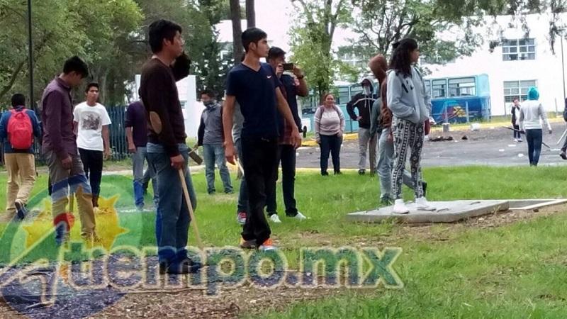 Después de toda la ola de violencia en torno a la UMSNH, se reporta que hasta el último momento las instalaciones universitarias siguen tomadas por parte de la CUL y el MAR