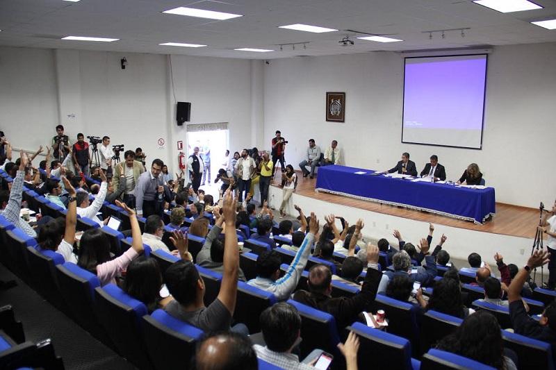 Se acordó afinar la política de ingreso a la Casa de Hidalgo, luego de que la Comisión de Ingreso presente ante el pleno del Consejo Universitario el informe respectivo a lo acontecido durante el actual proceso