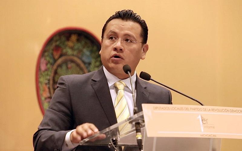 Torres Piña exhortó a los legisladores a seguir trabajando por un Michoacán donde todas y todos sus ciudadanos tenga un salario y condiciones de vida más dignas