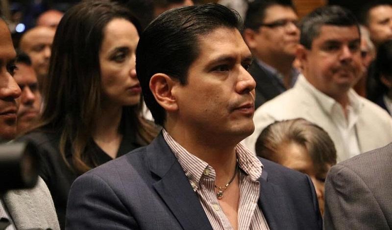 Núñez Aguilar explicó que el combate a la delincuencia no implica solamente recurrir a la fuerza pública local, estatal o nacional, sino también a buscar alternativas donde se pueda involucrar a la sociedad