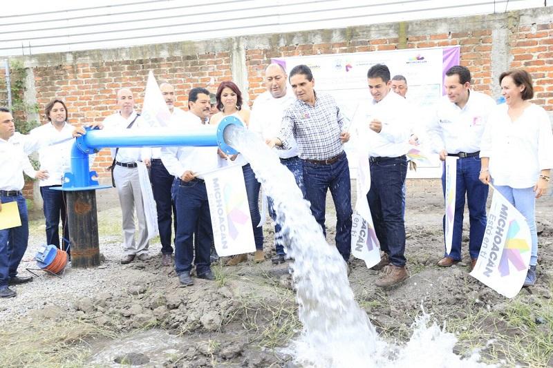 Aureoles Conejo compromete concluir red hidráulica en sólo 3 meses