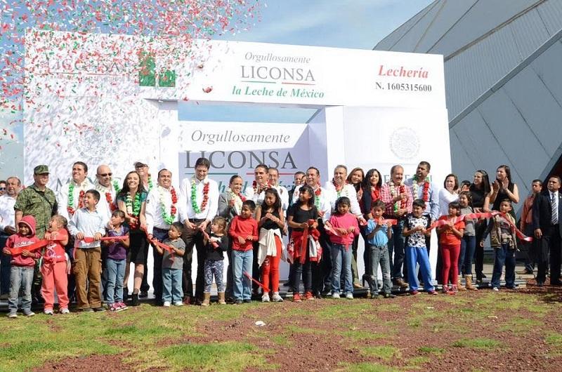 El Secretario de Desarrollo Social, rechazó que la inseguridad frene el desarrollo de los programas asistenciales del Estado y convocó a la ciudadanía a cerrar filas en torno a un proyecto común: la paz y la tranquilidad de Michoacán