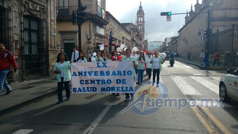 La celebración sólo entorpeció por unos minutos el tránsito vehicular (FOTO: FRANCISCO ALBERTO SOTOMAYOR)