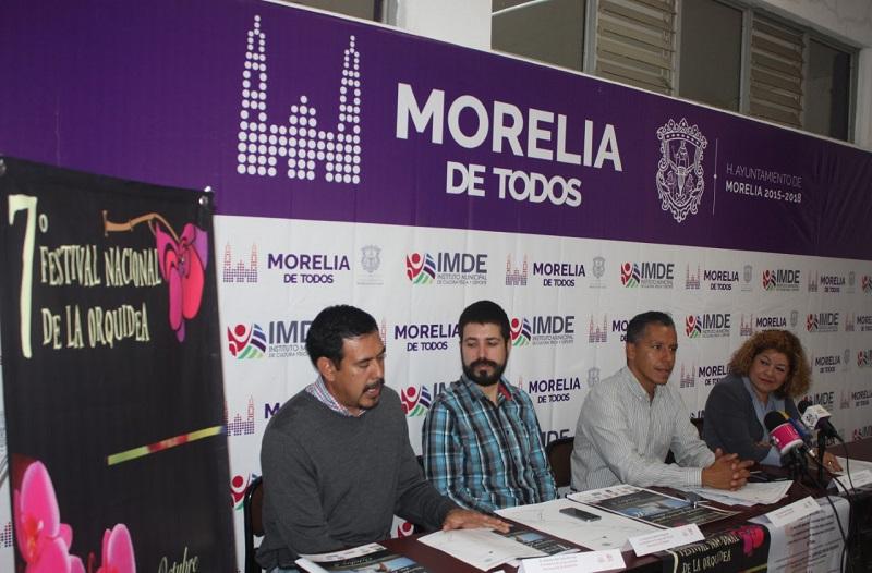 Gustavo Juárez Bedolla, titular del IMDE; Cilia Meza, Directora del Festival Nacional de la Orquídea; además de Demetrio Rivera, Coordinador Deportivo del Festival, fueron parte de las personas que se dieron cita para presentar el evento