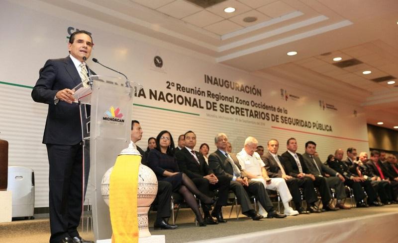Se trabaja con autoridades de entidades vecinas para fortalecer estrategia de seguridad en las fronteras estatales, asegura Aureoles Conejo