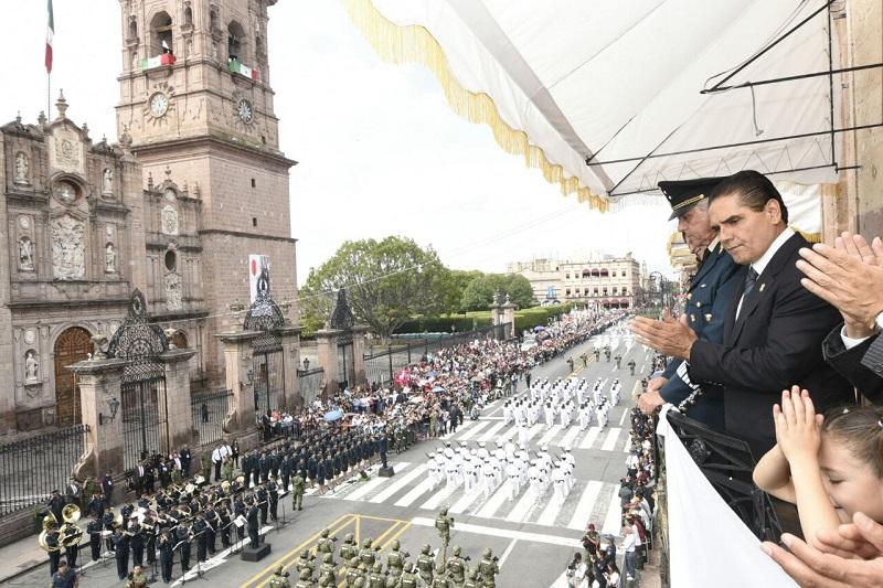 """""""No permitamos que los obstáculos nos frenen. Juntos vamos por el Michoacán que queremos y merecemos"""", apuntó Aureoles Conejo"""