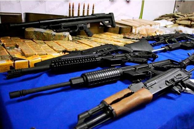 En un comunicado la SSP de Michoacán señaló que en operativo personal militar y policial aseguró armas largas, entre las que se encuentran un lanzagranadas y equipo táctico