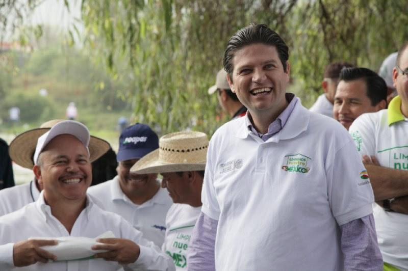 El acalde Alfonso Martínez invitó a la población en general, a unirse en estos trabajos y hacer frente a los principales retos que representa la basura en drenajes y ríos que a su vez provocan los encharcamientos y posibles afectaciones