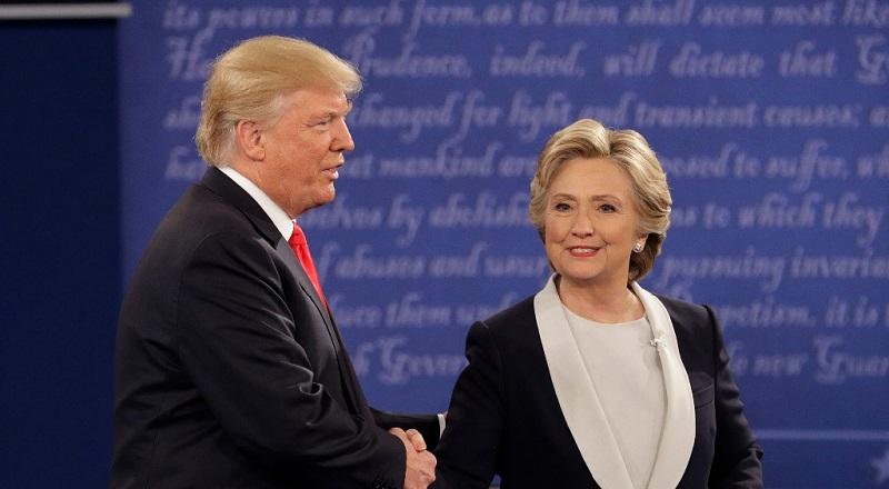 El mercado de divisas también pareció una vez más favorecer el desempeño de Clinton, con un ascenso sostenido en el peso mexicano desde las revelaciones de los audios de Trump del viernes pasado, al menos durante la primera hora del encuentro