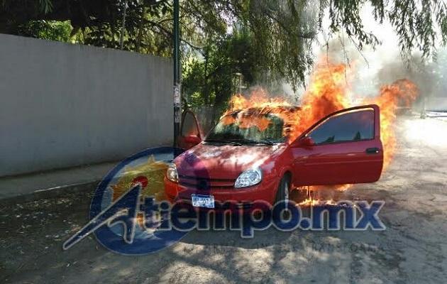 Fuerte movilización policíaca provocó el hecho a espaldas de la sede central de la PGJE de Michoacán (FOTO: FRANCISCO ALBERTO SOTOMAYOR)