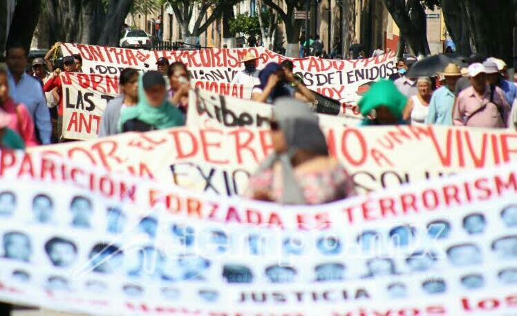 Varios de los participantes en la movilización andan con el rostro cubierto (FOTOS: FRANCISCO ALBERTO SOTOMAYOR)