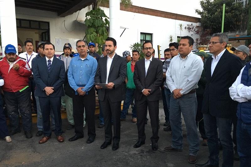El secretario de Administración, Yankel Benítez Silva, fue el encargado de realizar el relevo institucional y dar la bienvenida a Aragón Mejía, así como agradecer a Mejía Villaseñor