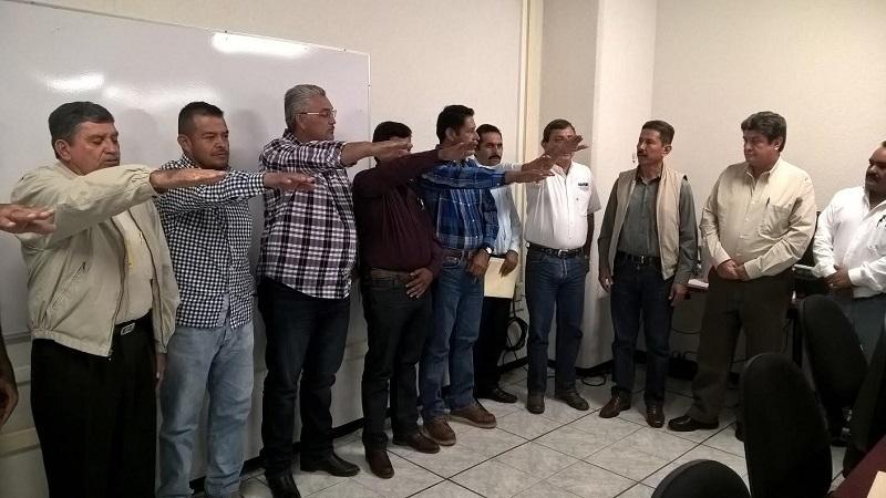 Tentory García comentó que los últimos datos estadísticos, que se tienen registrados es que en Michoacán existen poco más de un millón 100 mil hectáreas en los cuales se cultivan 120 productos diferentes