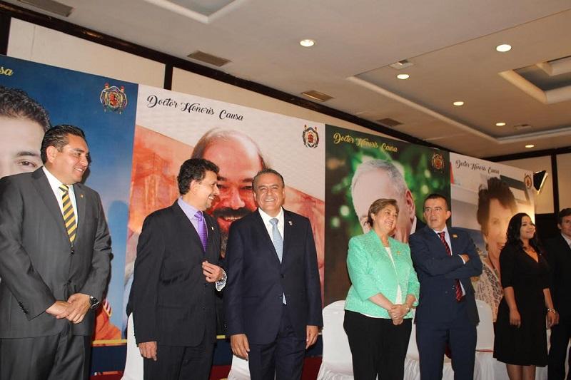 El legislador reiteró que es necesario fortalecer la Universidad Michoacana como parte de un compromiso con  los jóvenes, con el quehacer científico y con la educación pública