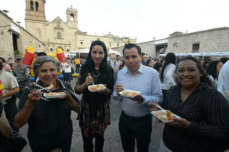 Con gran éxito se desarrolló el primer día del Festival de la Enchilada y la Corunda.