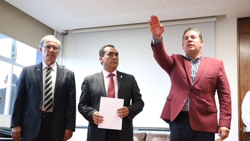 El secretario de Gobierno, Adrián López, dio posesión a tres nuevos directores generales y a un coordinador