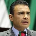 El Ejecutivo Federal trata de congraciarse con inversionistas nacionales y extranjeros y compensar las adversas condiciones de un mercado mundial de energéticos deprimido que vino a demostrar su gran error de cálculo: Calderón Torreblanca