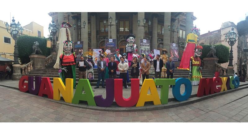 El jueves 27 de octubre a las 14:00 horas se llevará a cabo la inauguración en las escalinatas del Teatro Juárez con la presentación de Catrinas