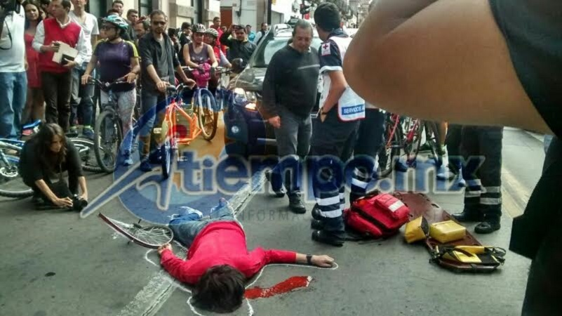 Los manifestantes se reunieron en la Plaza Morelos y posteriormente se trasladaron al Palacio Legislativo