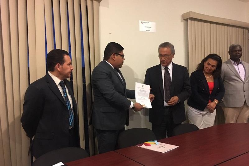Sergio Mecino Morales agradeció el desempeño que tuvo Hugo Rojas Figueroa al frente del Instituto y reconoció la labor hecha por el mismo
