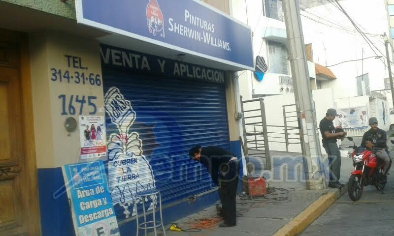 Otros negocios afectados en esa zona son Bar K, y Bar Chelalá, que prácticamente fueron vaciados por los delincuentes