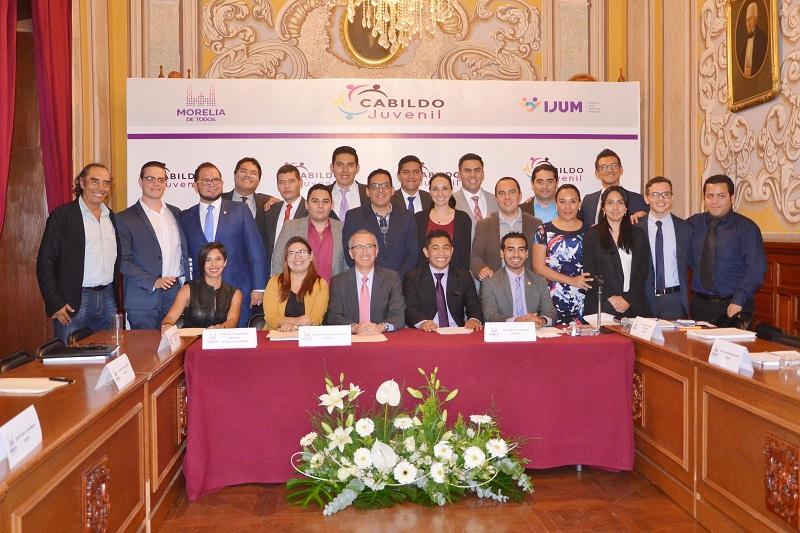 Los 15 elegidos para integrar el Cabildo Juvenil, rindieron protesta en presencia de autoridades municipales e iniciaron las jornadas de actividades en el cargo