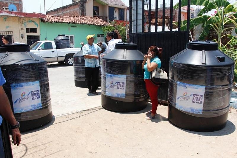 El líder panista aseveró que se han podido subsidiar mil 804 toneladas de cemento en diversos municipios de la entidad