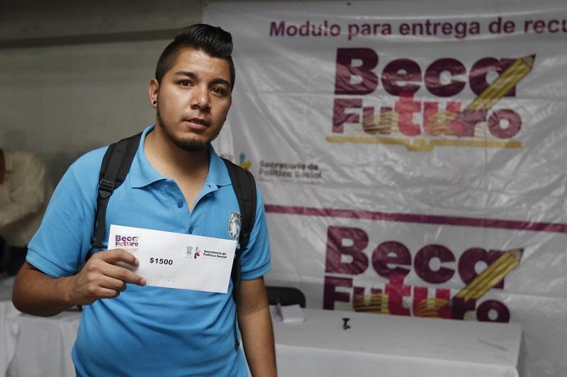 """Si a algún beneficiario no se le ha depositado su pago es necesario que ingrese a la página http://becafuturo.michoacan.gob.mx y revise el banner de """"Lista de Beneficiados ciclo 2015-2016 no localizados"""""""