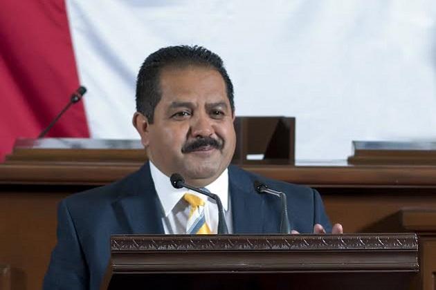 José Guadalupe Aguilera, diputado local por Pátzcuaro, señaló que tan sólo en su región desde el fin de semana se ha reportado un incremento en afluencia de visitantes