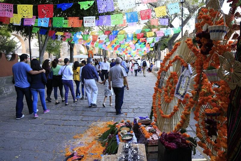 Un éxito resultó la conmemoración de la Noche de Muertos en Morelia