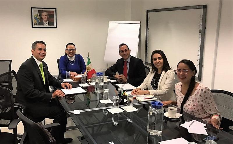 El titular de la Sedeco, Antonio Soto Sánchez, informó lo anterior y destacó la importancia de que la oferta comercial de Michoacán sea promocionada en el mercado nacional e internacional