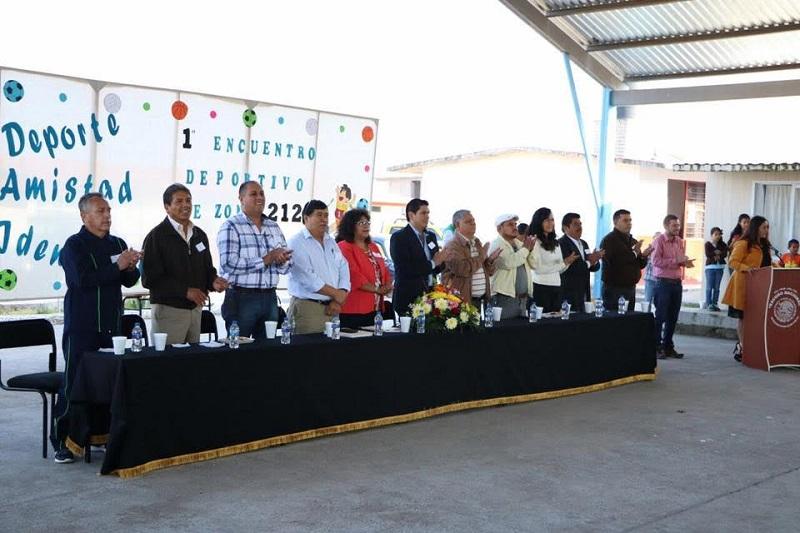 Núñez Aguilar reconoció a la escuela la programación de torneos con los alumnos ya que, agregó, es una manera positiva de que inviertan toda su energía en diferentes disciplinas deportivas