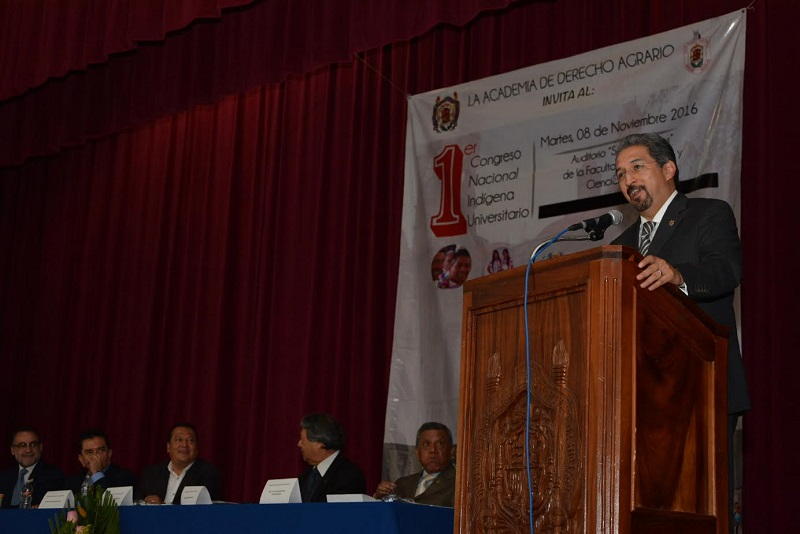 Por su parte el titular de la Secretaría de los Pueblos Indígenas, Martín García Avilés, quien acudió con la  representación del gobernador Silvano Aureoles
