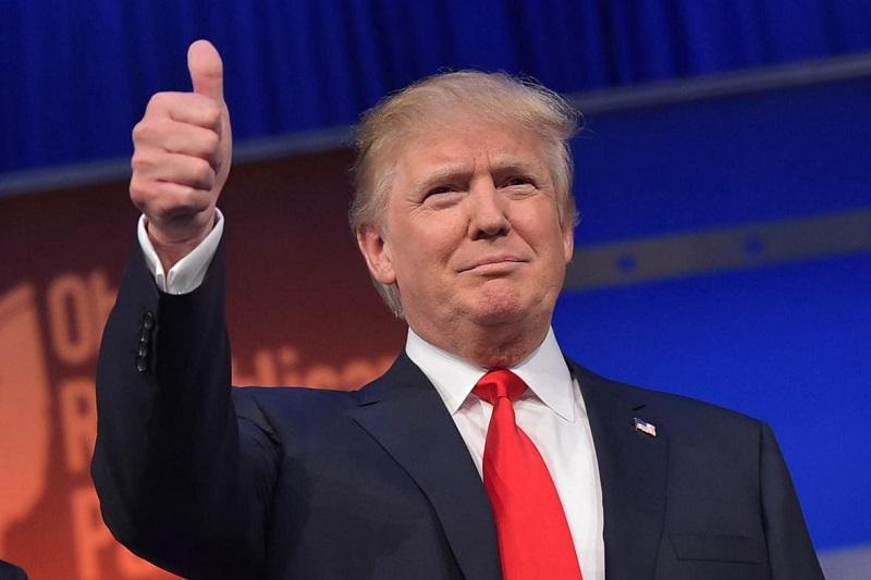 De acuerdo con información de la cadena CNN, Hillary Clinton llamó a Donald Trump para aceptar su derrota en la contienda electoral