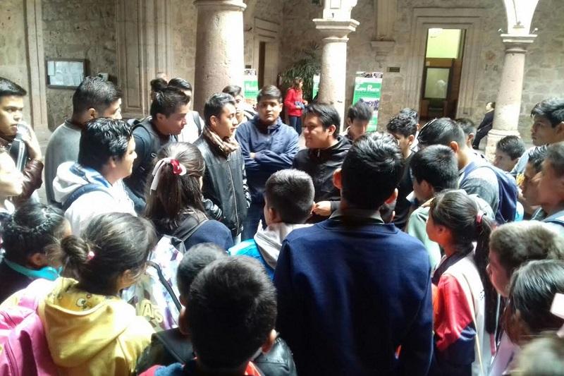 De acuerdo con los manifestantes, entregaron un pliego petitorio desde enero de 2015 y hasta la fecha las autoridades municipales no les han resuelto