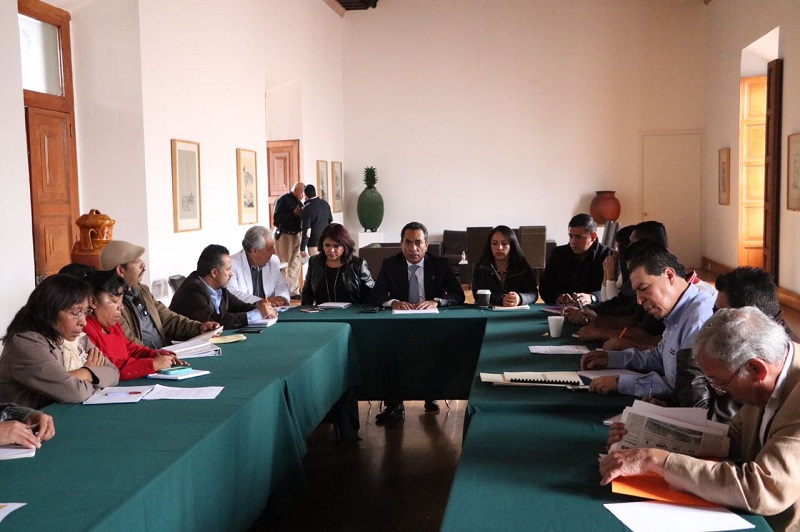 López Solís, revisó los avances en obras, programas y acciones que se realizan en dicha localidad