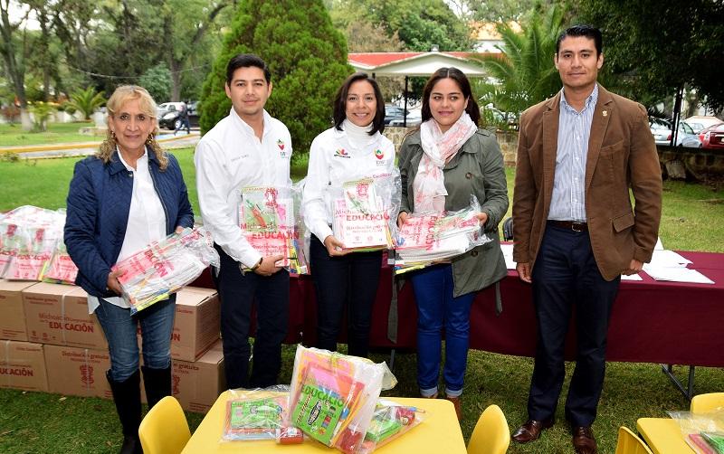 En su oportunidad, Luis Enrique Ramos Ceballos, subdirector de Servicios Asistenciales agradeció el apoyo y felicitó el trabajo coordinado entre los DIF municipales y el estado por trabajar en beneficio de la niñez vulnerable