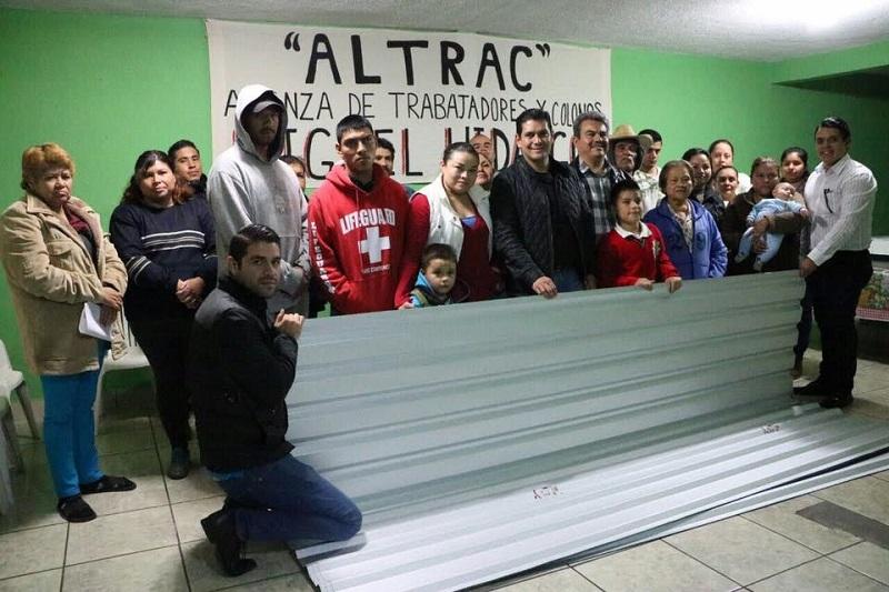 Núñez Aguilar afirmó que con estos apoyos se aporta un granito de arena para que las familias tengan espacios más dignos para vivir y aseguró que en lo posible continuará con la entrega de material para otras zonas de la ciudad