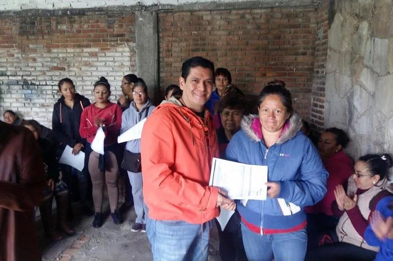 El diputado del PVEM entregó algunos apoyos en materia de seguridad y salud y adelantó que seguirá visitando y apoyando a sus amigos de Morelia