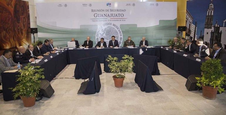 Por su parte, el gobernador Miguel Márquez Márquez agradeció la presencia de los funcionarios federales y refrendó el compromiso de su gobierno de trabajar coordinadamente con las autoridades de seguridad nacional