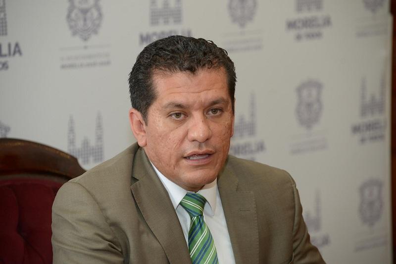 El tesorero municipal, Alberto Guzmán, recordó que la administración municipal ofrece condonaciones del 50% en multas y 40 en recargos en los distintos impuestos, así como 6 meses sin intereses con tarjetas participantes