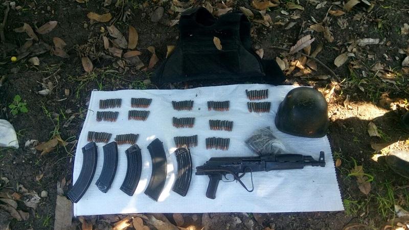 Los presuntos implicados, armas de fuego, vehículos, droga, cargadores y cartuchos se pusieron a disposición de la autoridad competente