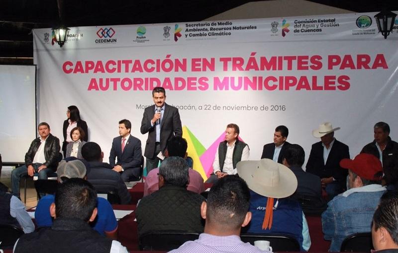 Nos da gusto que existan autoridades interesadas en conocer más sobre estos temas, que sepan a quién acudir para hacer diferentes gestiones: Luna García