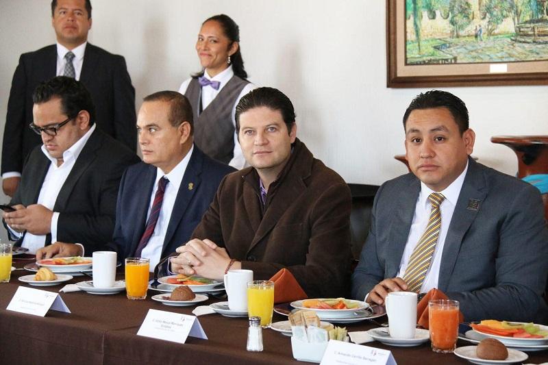 Martínez Alcázar destacó que la coordinación entre los tres órdenes de gobierno ha sido medular, sin embargo, reconoció la importancia de afinar algunos detalles para obtener mejores resultados en rubros específicos